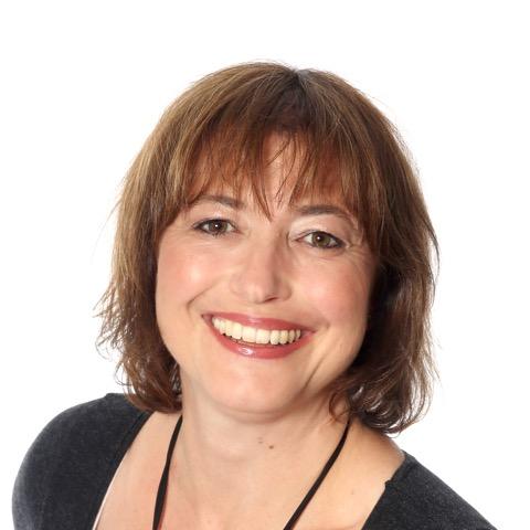 Laura Kamis Wrang